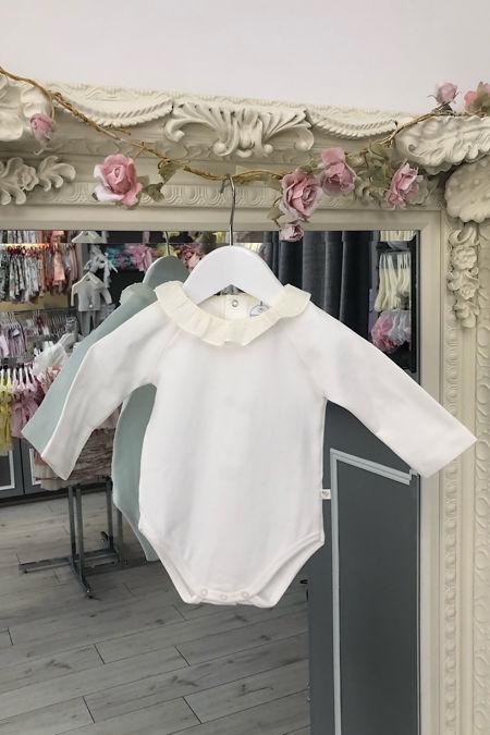 Laranjinha cream swiss dot collar vest