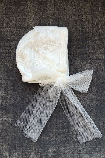 Foque cream knitted lace bonnet