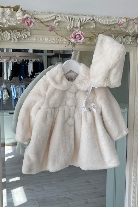 Marta Y Paula cream faux fur coat and bonnet