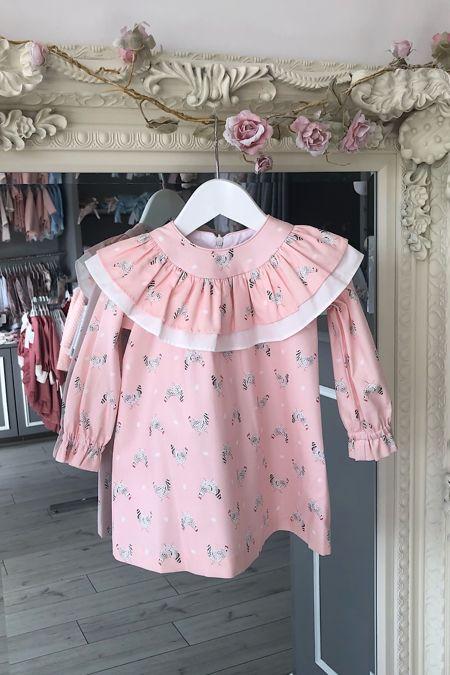 Rochy pink hen print dress