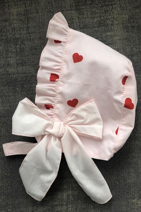 Phi heart print bonnet
