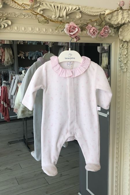 Laranjinha pink and white floral print baby grow