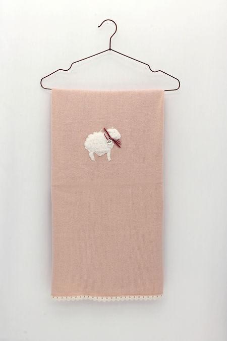 Foque pale pink sheep blanket