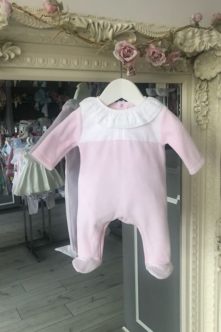 Laranjinha baby pink velour baby grow
