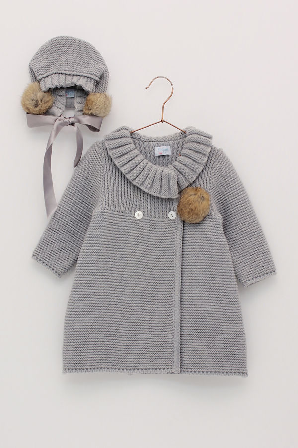 Foque grey knitted coat and bonnet